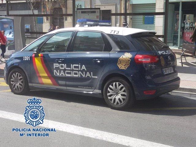 Coche de Policía Nacional en Granada