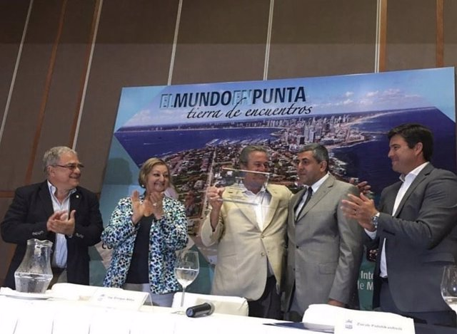 Entrega premio OMT Punta del Este