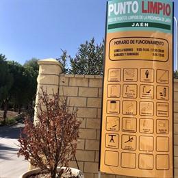 Acceso al punto limpio de Jaén
