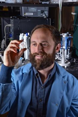 Microagujas para extraer gran cantidad de líquido intersticial