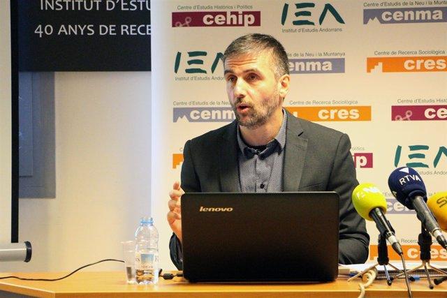 Joan Micó, Dtor. Ctre. Recerca Sociològica (CRES)
