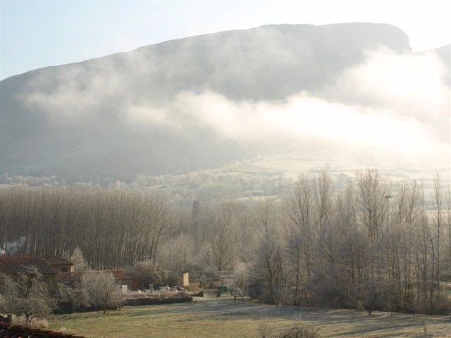 Valderredible con frío y niebla
