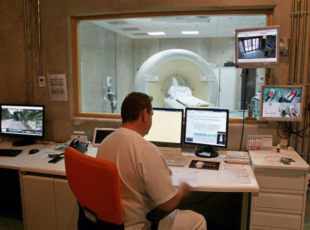 La Arrixaca es el primer hospital público del país en implantar un generador
