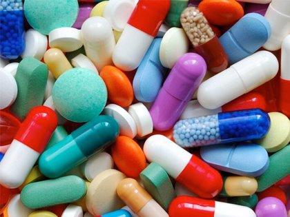 Opinión de los médicos y comprobar si retiran su medicación, lo mejor para comprobar la adherencia a tratamientos