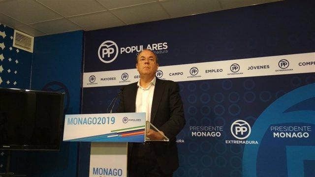 Monago en rueda de prensa este viernes en Mérida