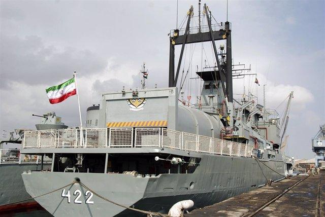Dos buques de guerra iraníes en un puerto de Sudán