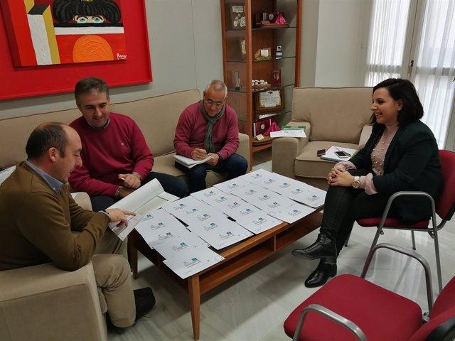 Reunión de trabajo sobre la II Cata-Concurso de Aceites de Oliva de Badajoz