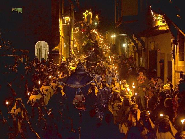 El transcurso de la Cabalgata de Reyes por la Bajada del Cantón