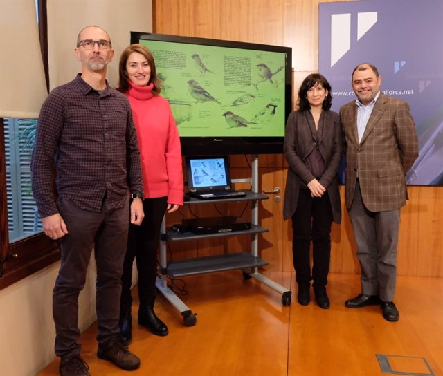 El Consell Mallorca presenta una guia per promoure el turisme ornitològic