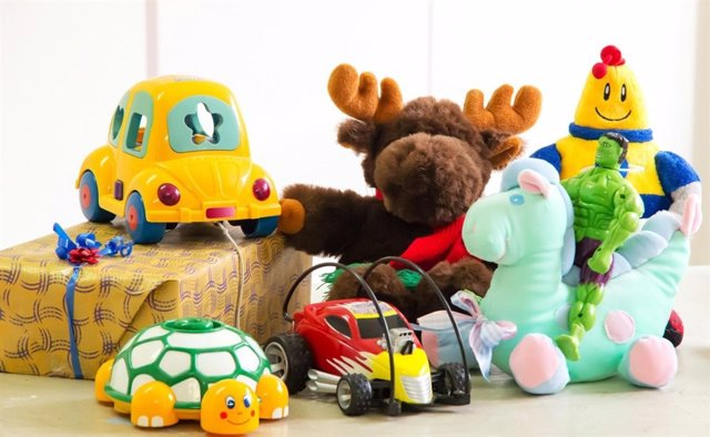 Juguetes, juegos, reyes, regalos, muñecos