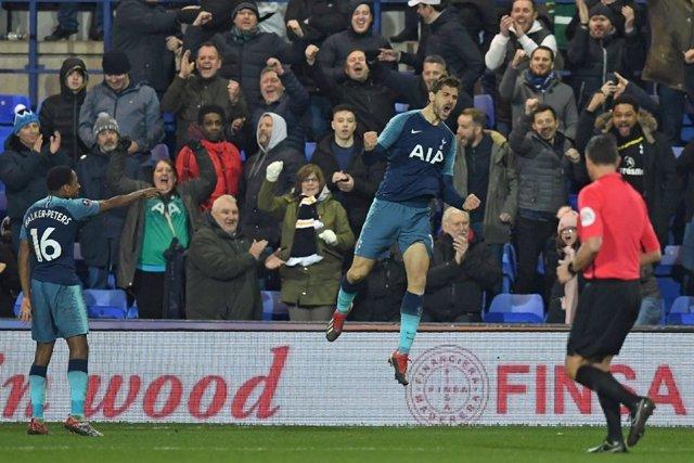 Fernando Llorente celebra un gol con el Tottenham Hotspur