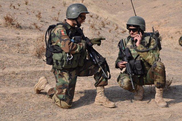 Militares del Ejército afgano desplegados en Fará