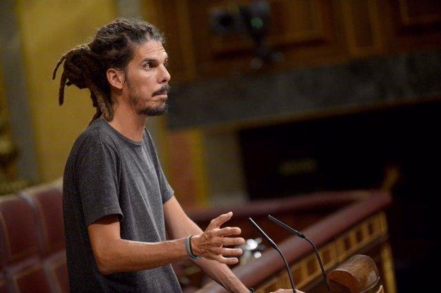 El diputado de Podemos Alberto Rodríguez en el Pleno del Congreso