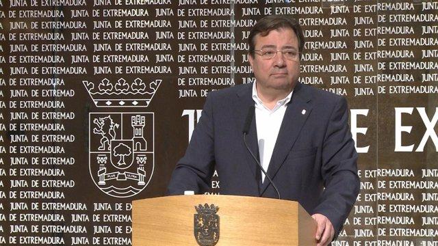 Fernández Vara, en una rueda de prensa