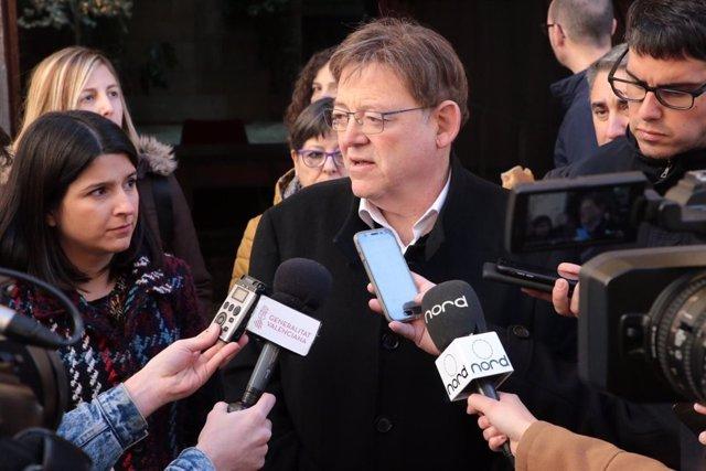 Puig atiende a los periodistas en Morella