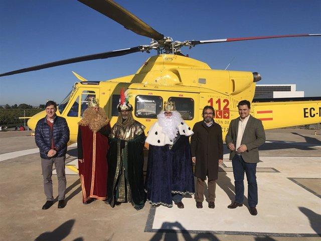 Los Reyes Magos llegan en helicóptero al hospital Los Arcos