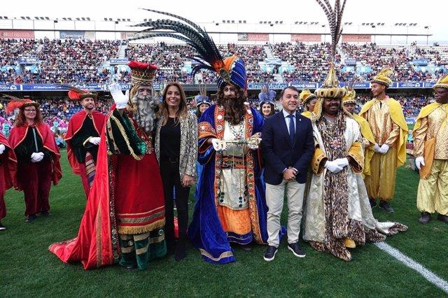 Los Reyes Magos a su llegada a Santa Cruz de Tenerife
