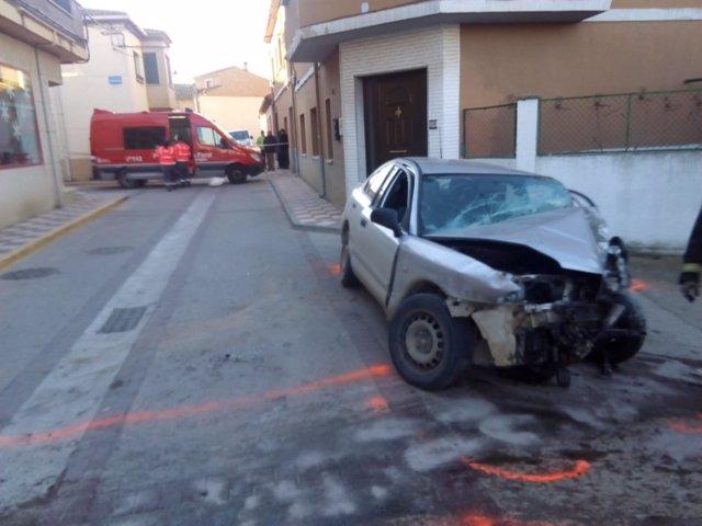 Un fallecido al colisionar contra una vivienda en Cadreita