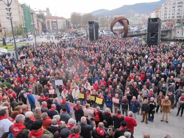 Concentración De Pensionistas En Bilbao.