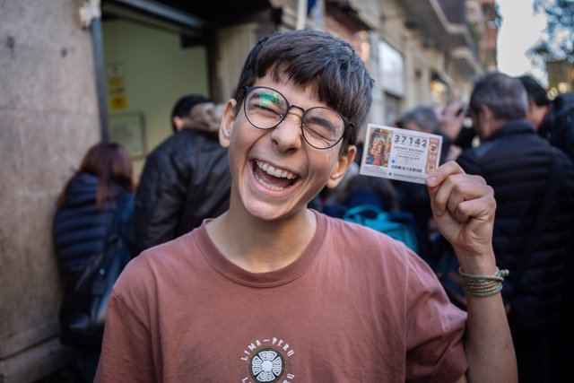 El nen Cosmin Rotariu, agraciat amb el 'gros' de la Loteria del Nen 2019