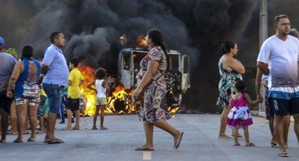 Una ola de violencia deja un centenar de detenidos en el noreste de Brasil
