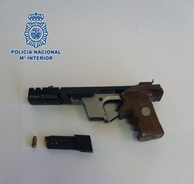 Arma incautada al detenido en Almería