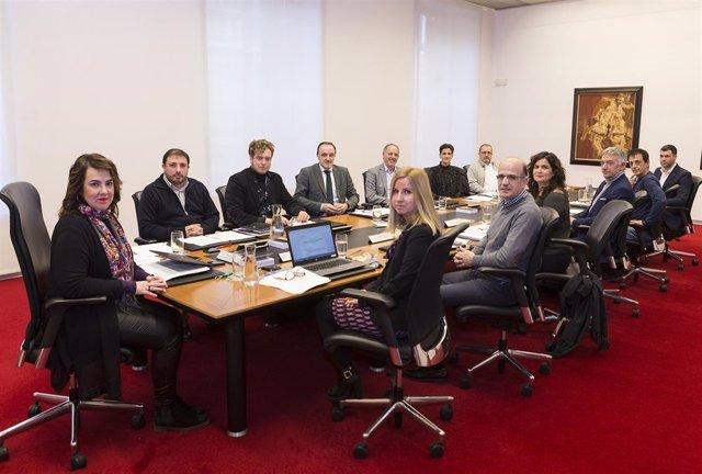 Mesa y Junta de Portavoces del Parlamento de Navarra anterior.