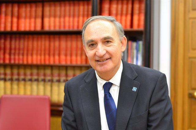 El rector de la UVA, Antonio Largo Cabrerizo