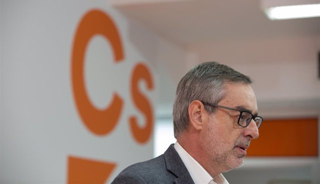 José Manuel Villegas, en rueda de prensa en Sevilla.
