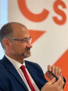 El portavoz de Cs, Luis Fuentes