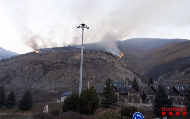 Incendio en Artíes