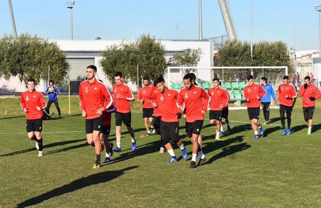 Els jugadors del Reus Deportiu, en un entrenament