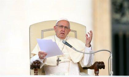 Activistas instan al Papa a despedir a algunos obispos polacos por no denunciar abusos