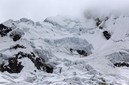 Tres montañeros españoles y un guía peruano mueren en una avalancha en Perú