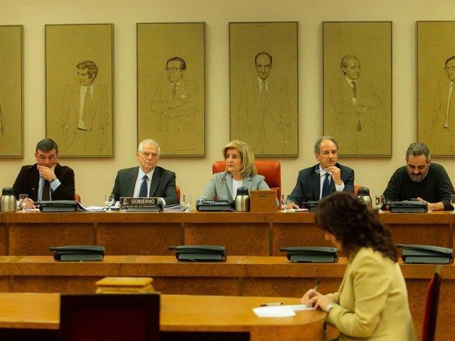 El ministro José Borrell, ante la Comisión de Asuntos Exteriores