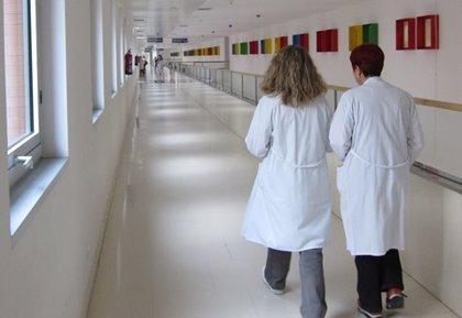"""La prensa favoreció el """"efecto salida"""" de enfermeras españolas al Reino Unido durante la crisis, según un estudio"""