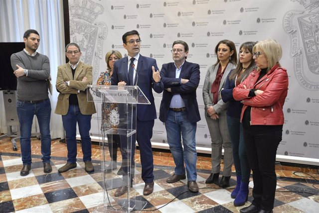 Equipo de gobierno municipal, con el alcalde, Francisco Cuenca