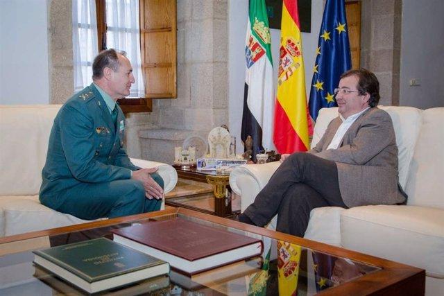 Vara se reúne con el general de la Tercera Zona de la Guardia Civil