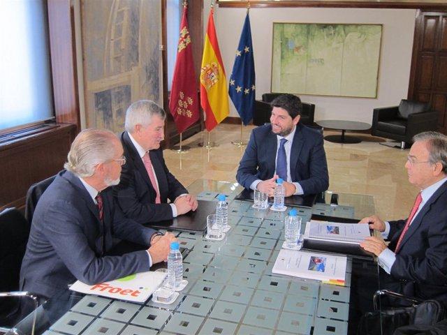 Imagen de la reunión entre López Miras y Díaz