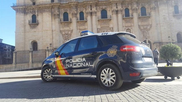Imagen de archivo de una patrulla de la Policía Nacional en Jaén