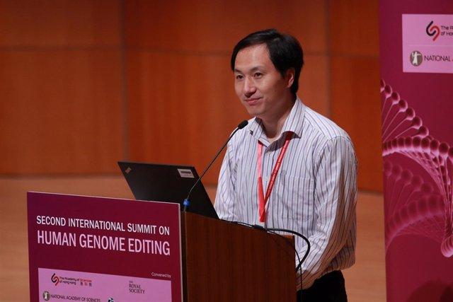 El científico chino He Jiankui interviene en la Universidad de Hong Kong