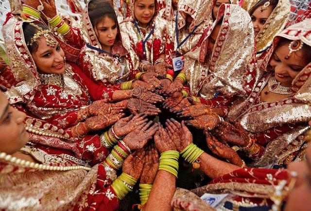 Mujeres que van a casarse en India