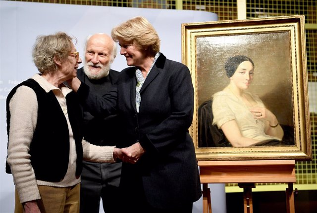 Return of a Nazi looted painting in Berlin