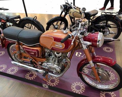 Vallsur acoge una exposición de motos antiguas y una exhibición de Stunt por Pingüinos 2019