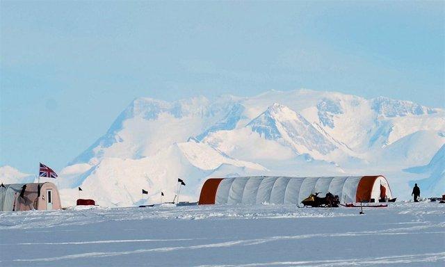 Estación en la Antártida