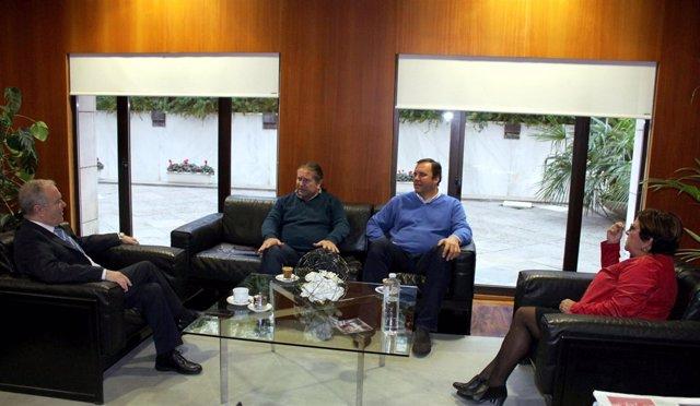 Primera reunión institucional entre Miguel Gracia y José María Alcubierrre