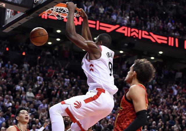 Serge Ibaka machaca en el Toronto Raptors - Atlanta Hawks