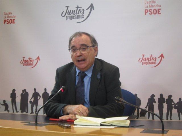 El diputado regional Fernando Mora