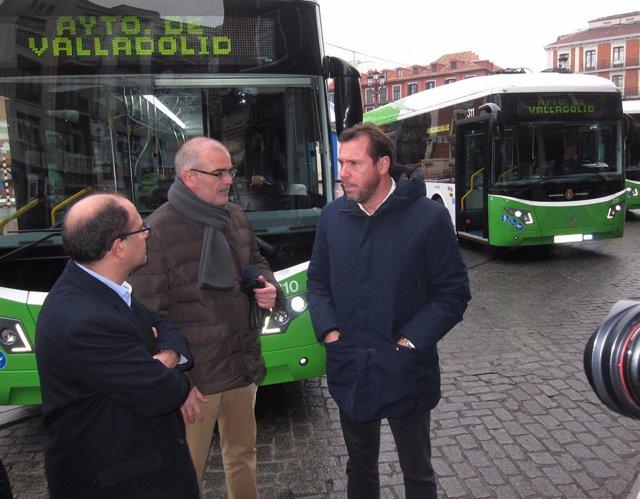 Presentación de nuevos autobuses de Auvasa. 9-1-2019