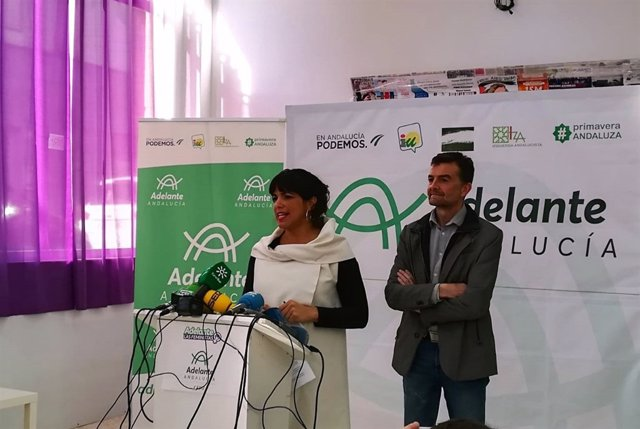Teresa Rodríguez y Antonio Maíllo en rueda de prensa en Jerez